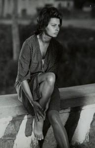 Sophia Loren in vestaglia